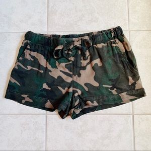 ✨ Sanctuary Camo Shorts